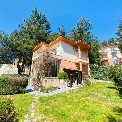 Kuşadasında Satılık Müstakil Villa H2488